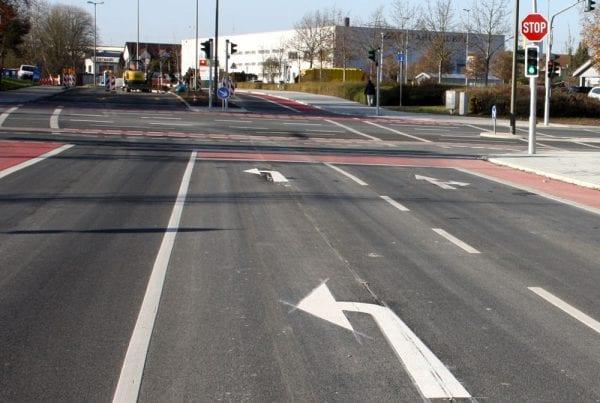 Rödl Referenz: Kreuzungsumbau der Frauenauracher Straße, Umbau in eine signalisierte Kreuzung mit Ampelanlage